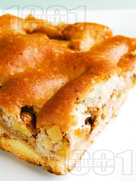 Ябълков сладкиш с чаени бисквити, орехи, масло и канела - снимка на рецептата